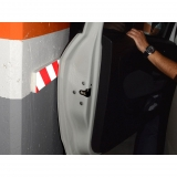 Protector Lateral Parking Reflectante  40x7,5x1,5 cm - Rojo/Blanco