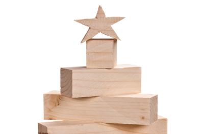 4dea3b6753b Adornos de Navidad hechos de madera