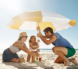 Sombrillas tumbonas y balancines de playa for Sombrillas jardin carrefour