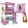 Barbie - Casa Malibu, casa de muñecas de dos pisos plegable con muebles y accesorios