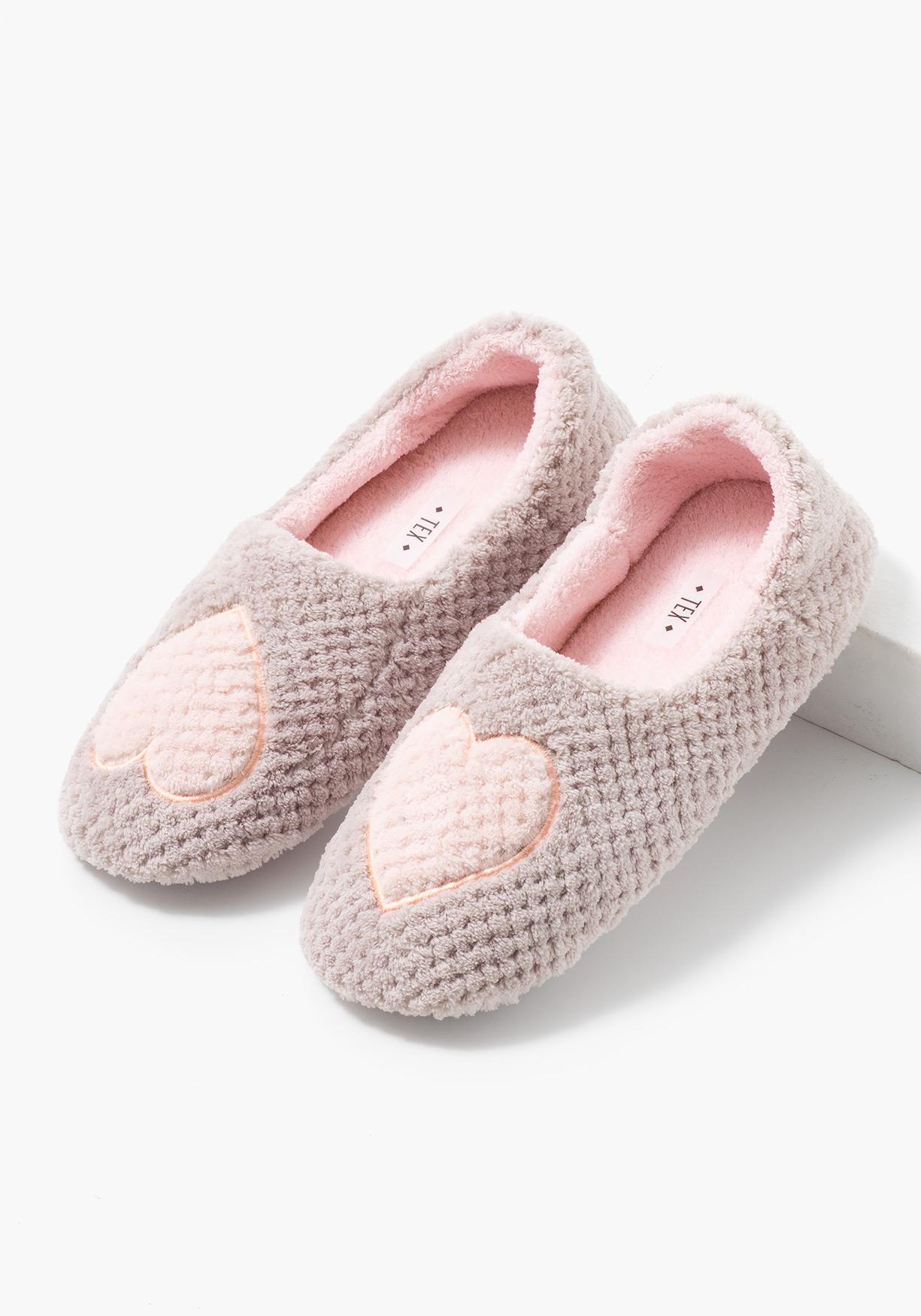 Ofertas en moda tu tienda de ropa online en carrefour tex - Zapatillas para casa ...