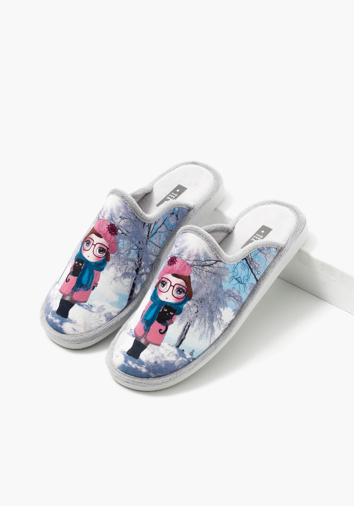 Comprar zapatillas de estar por casa estampadas tex aprov chate de nuestros precios y - Zapatillas casa nino carrefour ...