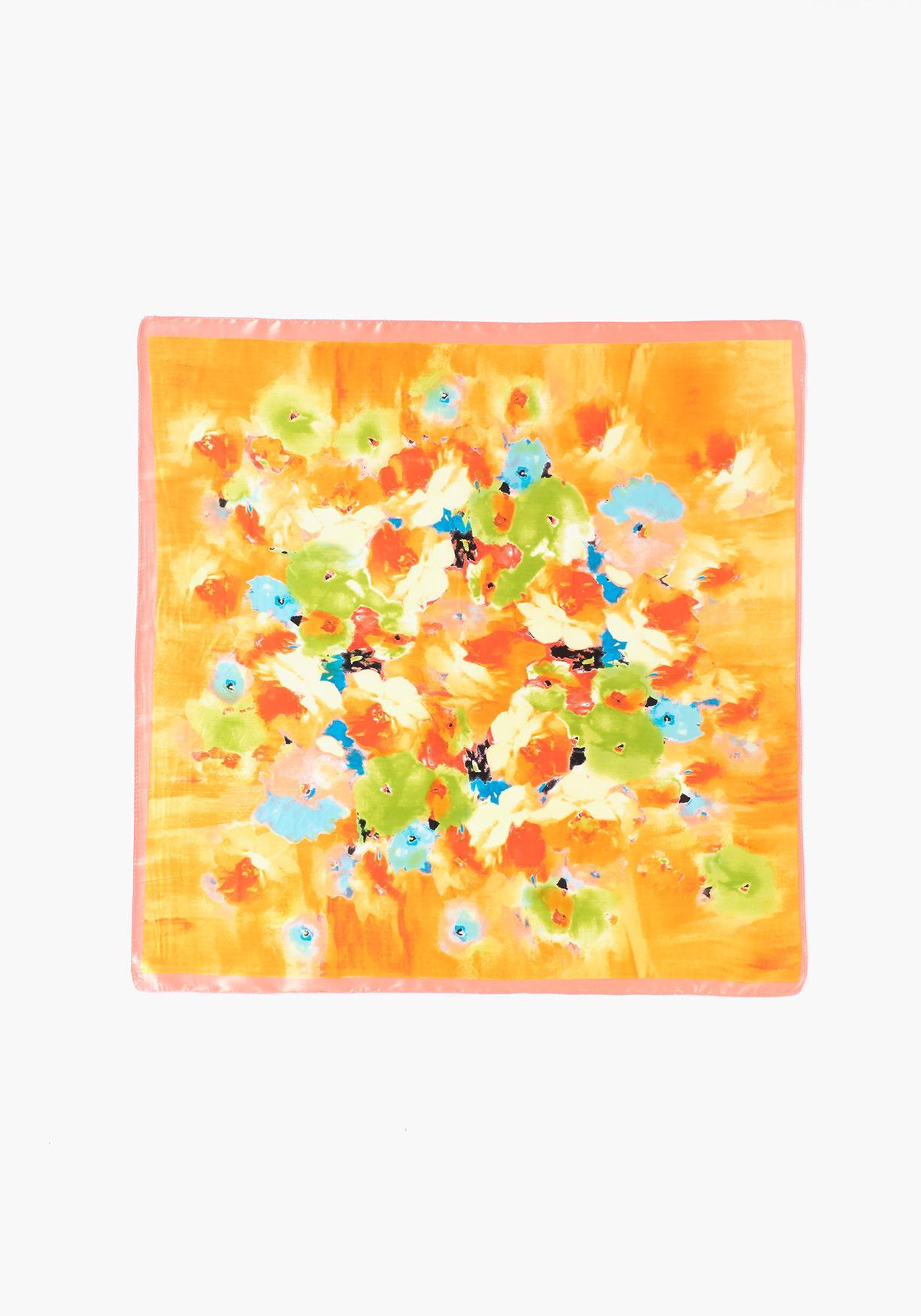 Comprar Pañuelo de mujer estampado tacto seda. ¡Aprovéchate de ... b5315f5ec24