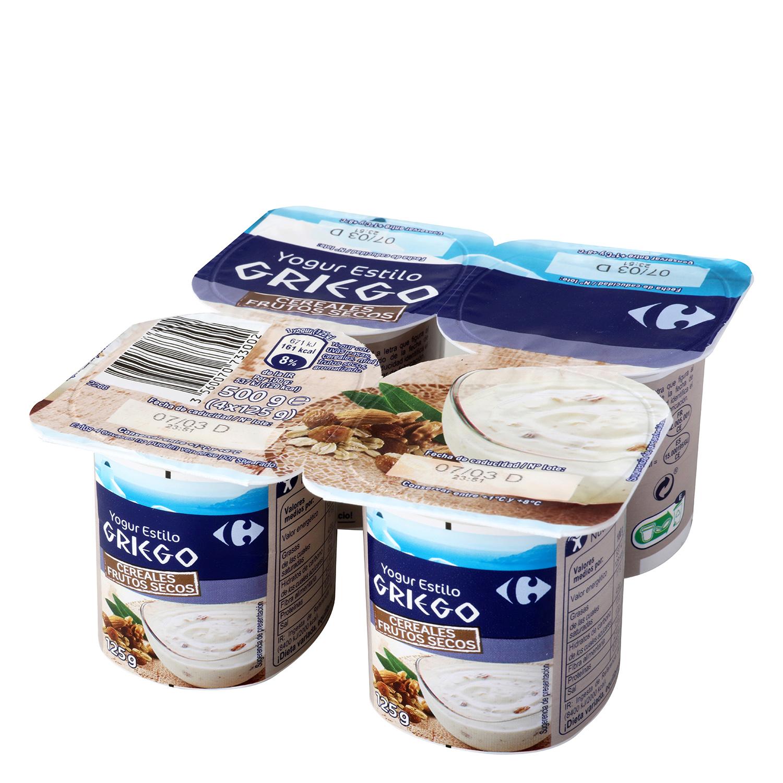 Yogur griego con frutos secos