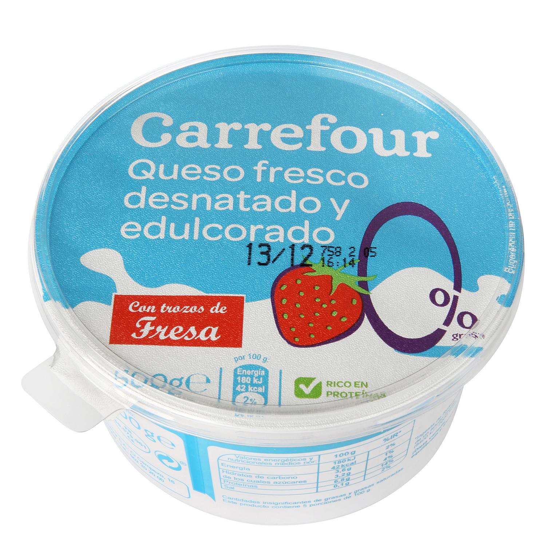 Queso fresco 0 % con trozos de fresa