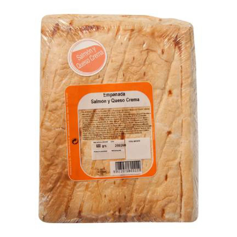 Empanada de hojaldre de salmón y queso Empanadas Mendoza 500 g.