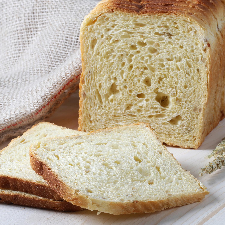 Pan de molde con maiz y semillas de girasol