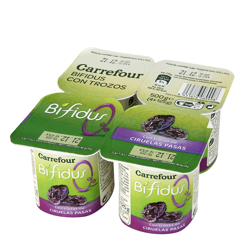 Yogur bífidus desnatado con trozos de ciruelas pasas Carrefour pack de 4 unidades de 125 g.