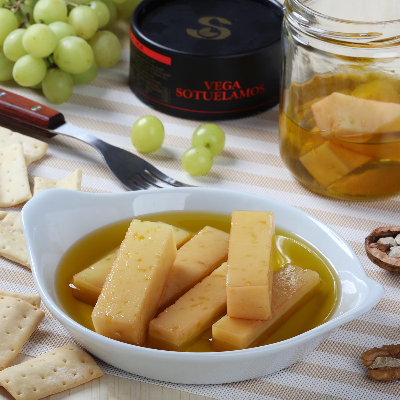 Queso de oveja en aceite de oliva