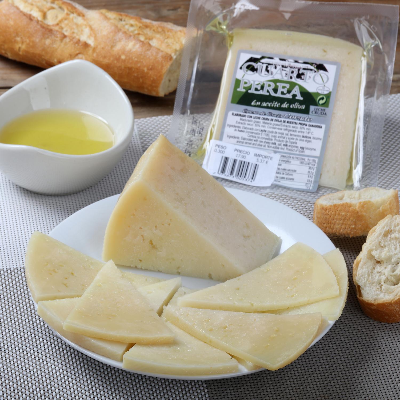 Queso curado de oveja en aceite de oliva Cuarto Perea cuña de 1/8, 375 g aprox
