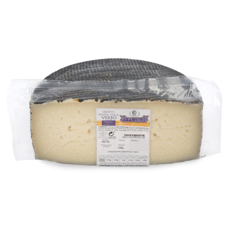 Queso de mezcla viejo oveja y vaca Legio 1/2 pieza 1,5 Kg