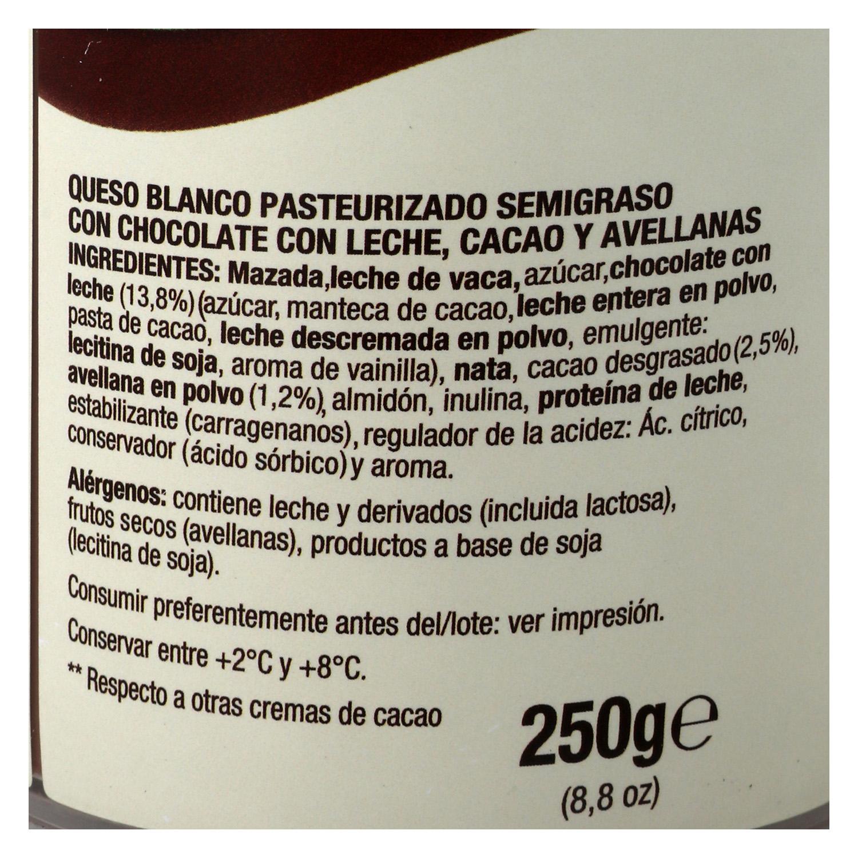 Queso crema de chocolate con avellanas ChocoBó Quescrem 250 g. -