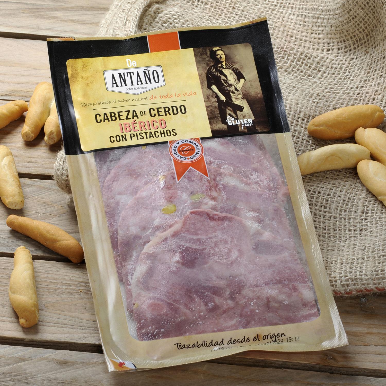 Cabeza de cerdo ibérica con pistachos