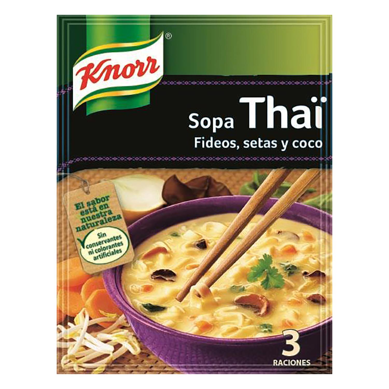 Sopa Thaï de fideos, setas y coco