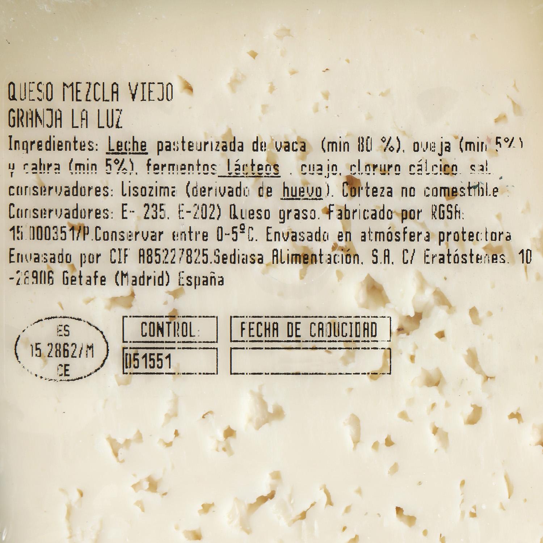Queso de mezcla viejo Granja de la Luz cuña 1/4, 650 g aprox - 2