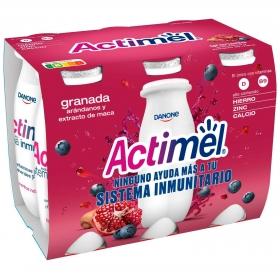 Yogur líquido con granada, arándanos y extracto de maca L.Casei Danone Actimel pack de 6 unidades de 100 g.
