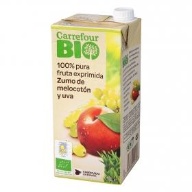 Zumo de melocotón y uva ecológico Carrefour Bio brik 1 l.
