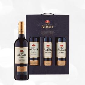 LOTE 81: 3 botellas D.O. Valdepeñas Viña Albali tinto reserva 75 cl.
