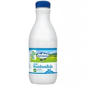 Leche semidesnatada Central Lechera Asturiana botella 1,5 l.