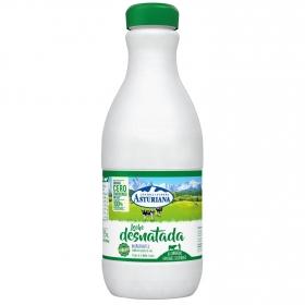 Leche desnatada Central Lechera Asturiana botella 1,5 l.