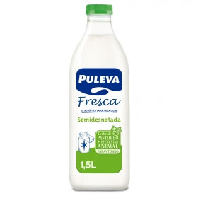 Leche semidesnatada fresca Puleva botella 1,5 l.