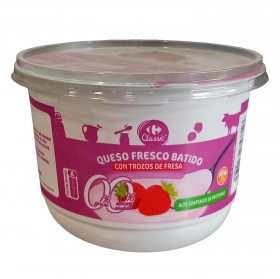 Queso fresco 0 % con trozos de fresa Carrefour 500 g.