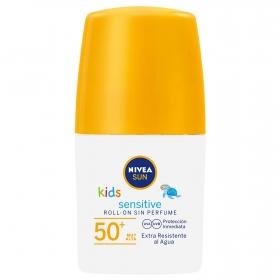 Protección solar en roll-on SPF 50+ Kids Sensitive Nivea Sun 50 ml.
