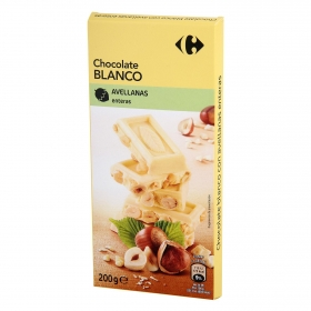 Chocolate blanco con avellanas enteras Carrefour 200 g.