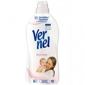 Suavizante concentrado y delicado para pieles sensibles Hipoalergénico Vernel 76 lavados.