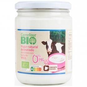 Yogur natural desnatado con leche de vaca pasteurizada ecológica Carrefour Bio 420 g.