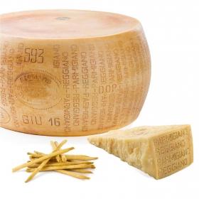 Queso Parmigiano Reggiano forma IGP 22 meses curación Hispano al corte 150 g aprox