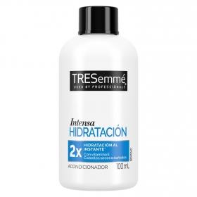 Acondicionador hidratación intensa para cabello seco o dañado de viaje Tresemmé 100 ml.