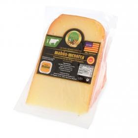 Queso semicurado de vaca D.O.P Mahón-Menorca El Consorcio de Quesos cuña 1/8, 350 g aprox