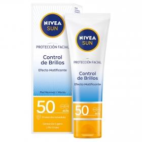 Protección facial Control de brillos 0% Sensación pegajosa FP 50+ Nivea Sun 50 ml.