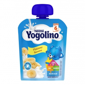 Postre lácteo de plátano desde 6 meses Nestlé Yogolino sin gluten bolsita de 90 g.