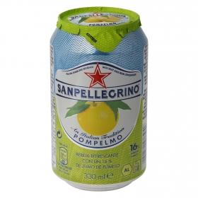 Agua mineral con gas San Pellegrino natural sabor pomelo 33 cl.