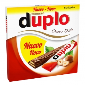 Barrita de chocolate y galleta rellena de avellana Ferrero 91 g.