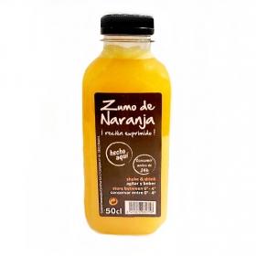 Zumo de naranja recién exprimido Carrefour 50 cl.