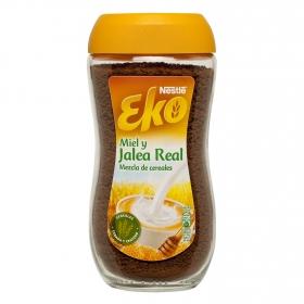 Mezla de cereales solubles con miel y jalea real Nestlé Eko 150 g.