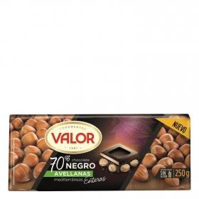 Chocolate negro 70% con avellanas enteras