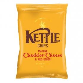 Patatas fritas con queso cheddar y cebolla roja Kettle 150 g.