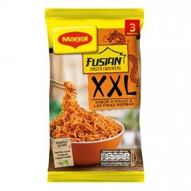 Pasta oriental Fusian sabor pollo a las finas hierbas XXL Maggi 185 g.