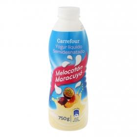 Yogur semidesnatado líquido de melocotón y maracuyá Carrefour 750 g.