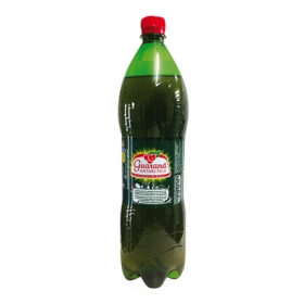 Refresco Antarctica con gas sabor guaraná botella
