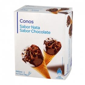 Conos de chocolate y nata