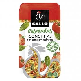 Conchitas con tomates y espinacas