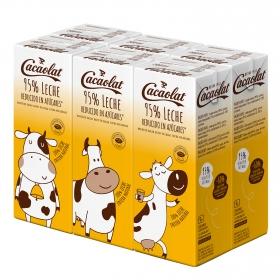 Batido de cacao con leche bajo en azúcar Cacaolat pack de 6 briks de 200 ml.