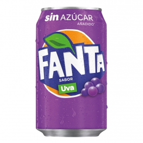 Refresco de uva Fanta con gas lata 33 cl.