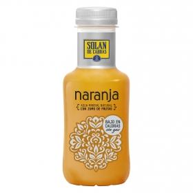 Agua mineral Solán de Cabras natural con zumo de naranja 33 cl.