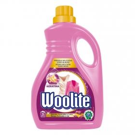 Detergente líquido con keratina Woolite 25 lavados.
